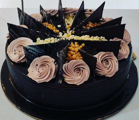 You Can Send Surprise Birthday Cake Gift in Patna